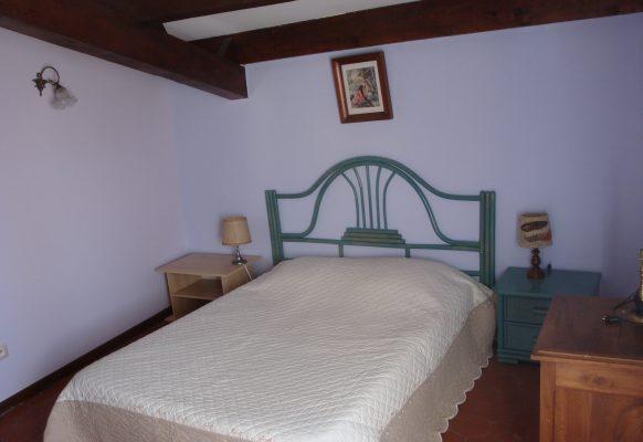 chambre-1-lit-en-140-cm
