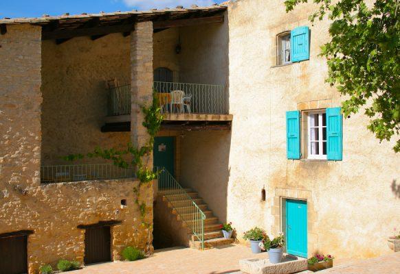 Terrasse : Romarin a gauche 1etage – Lavande en haut a droite , 2eme etage