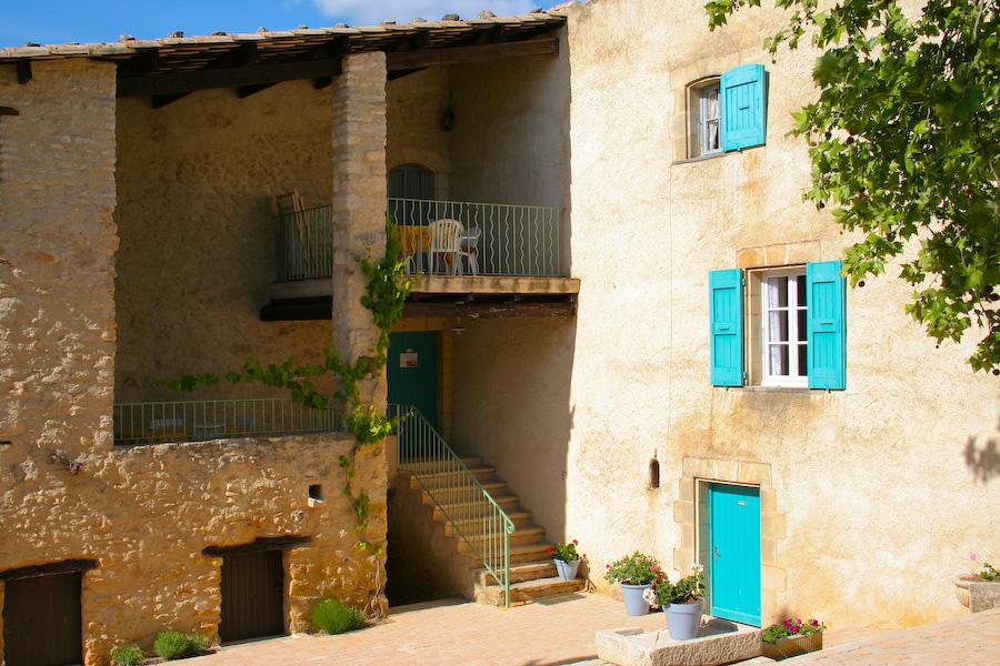 Terrasses : Romarin a gauche 1etage - Lavande en haut a droite , 2eme etage